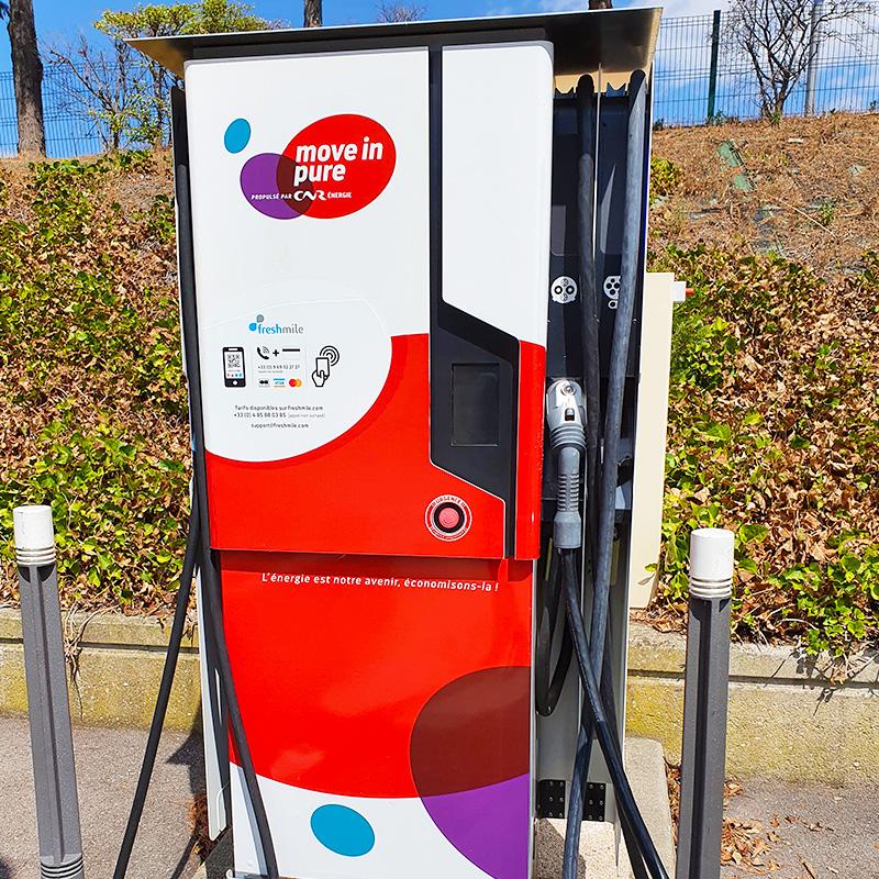 borne de recharge electrique publique - Les véhicules électriques aujourd'hui