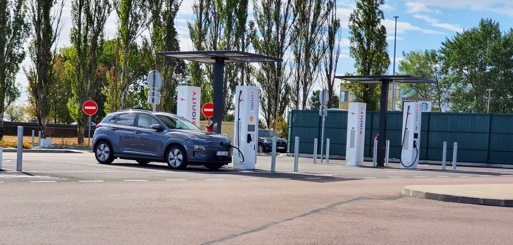 recharge ve aux bornes publiques - Which charger to choose for your electric vehicle?