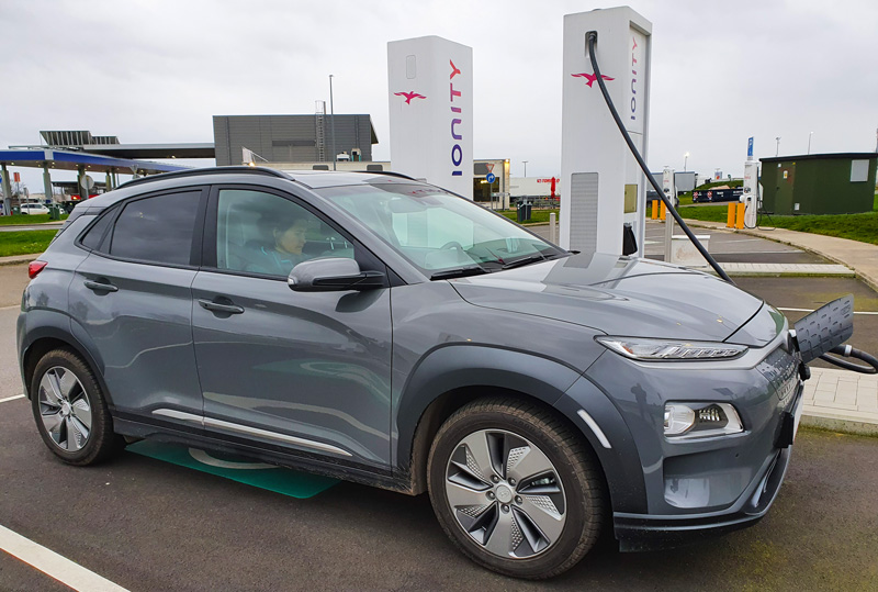voiture electrique sur bornes ionity - Les bornes de recharge publiques