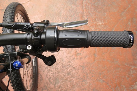 izip-peak-right-handlebar