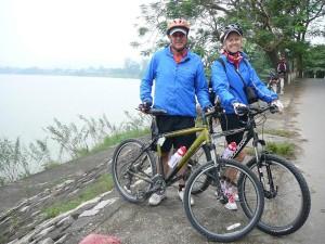 Gary and Rachel Corbett electric bike tour