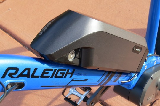 raleigh misceo electric battery 2