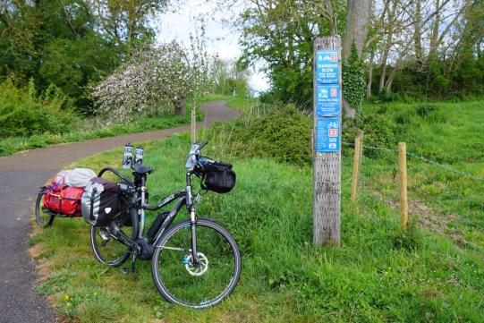 e-bike cycle tourists 5