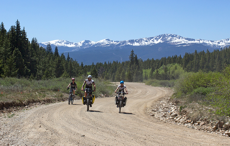 pedelec-adventures.com_Sand-to-Snow_2016-06-16_LeadVille_M-Burger_IMG_6264_web