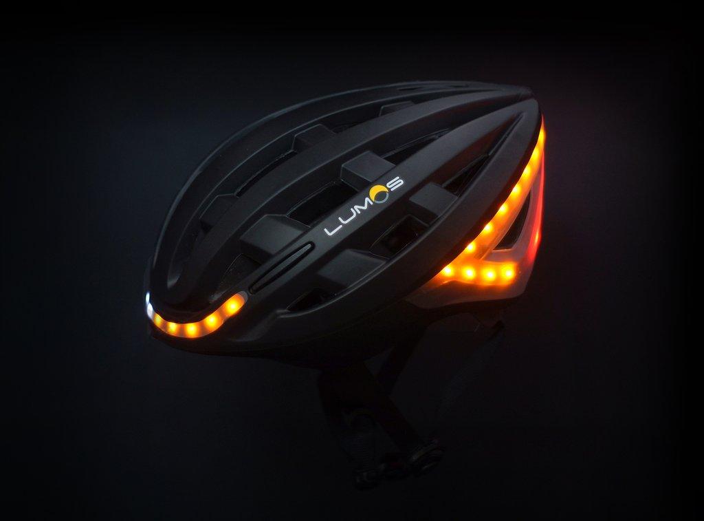 lumos-helmet-turn-signals