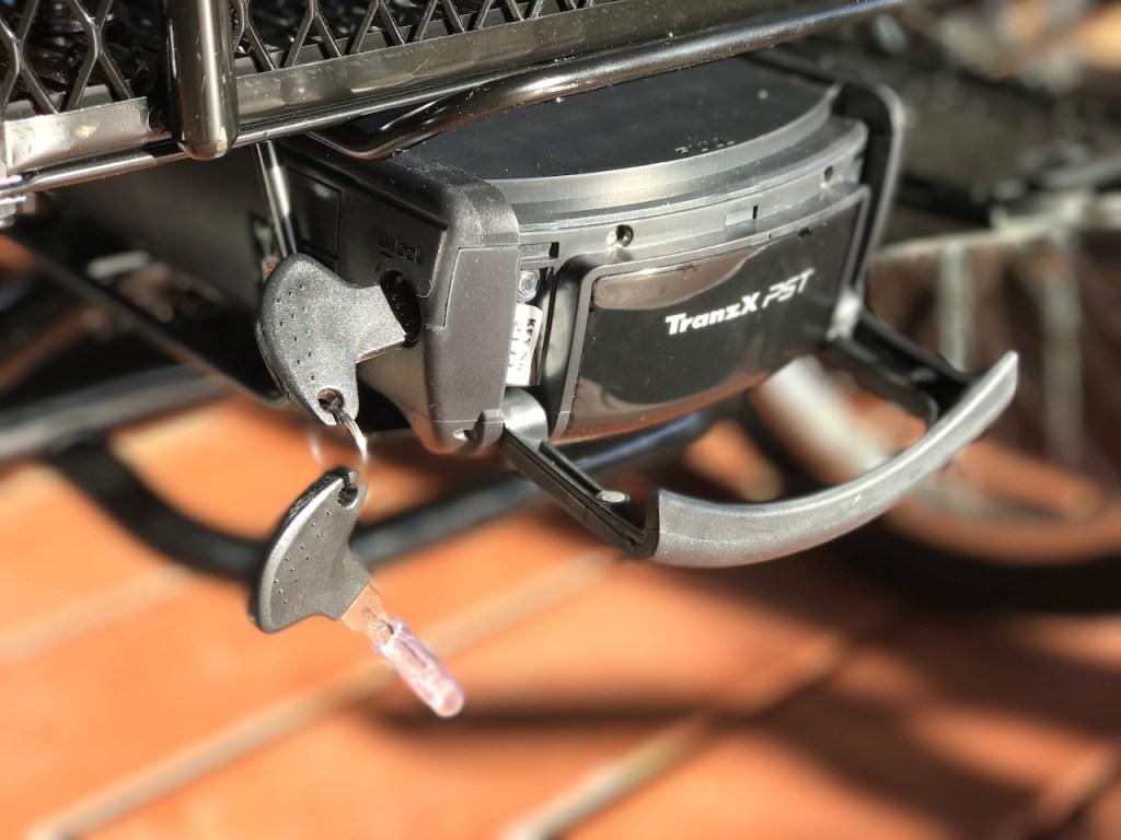 raleigh-tristar-ie-electric-trike-battery-keys