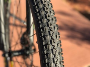igo-m29r-electric-mountain-bike-tire
