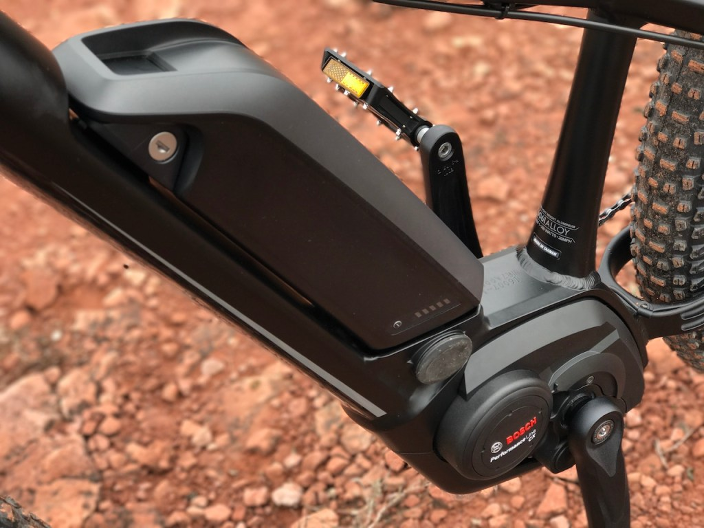 izip-e3-peak-electric-mountain-bike-bosch-battery-motor