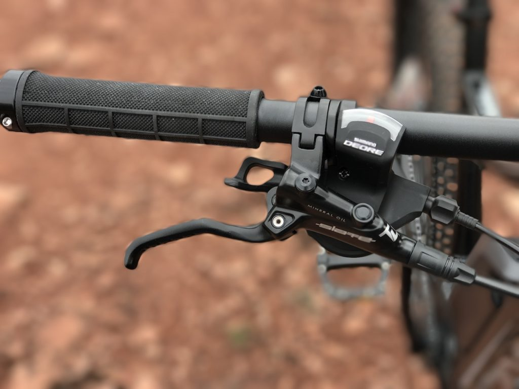 izip-e3-peak-electric-mountain-bike-brake-lever