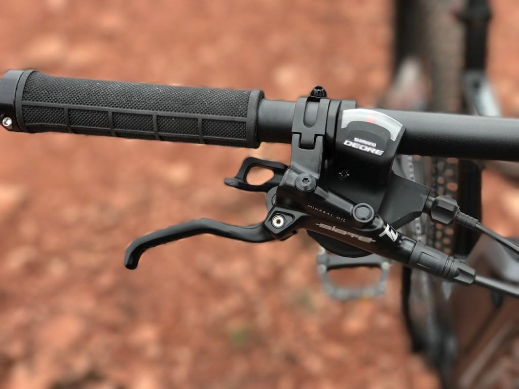 izip-e3-peak-electric-mountain-bike-brake-lever