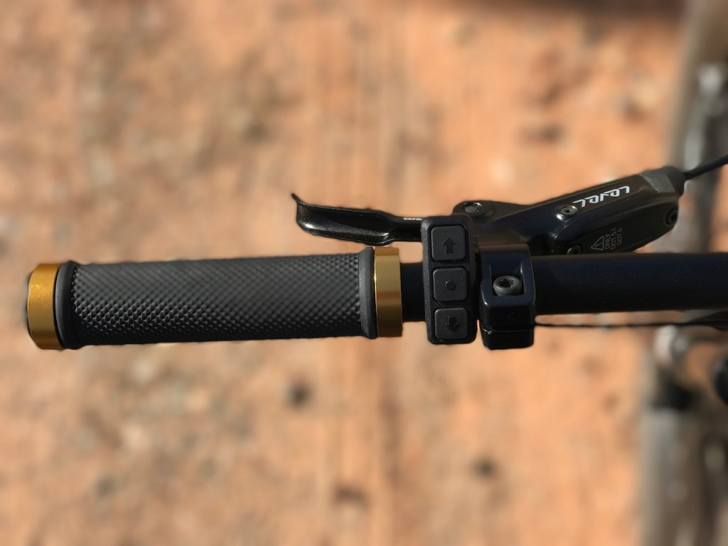 Fantic XF1 Casa electric mountain bike left handlebar 1