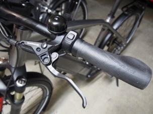 Tidy bars with simple ergonomic controls