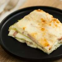 Leek lasagna with smoked ham: a no pasta lasagna recipe