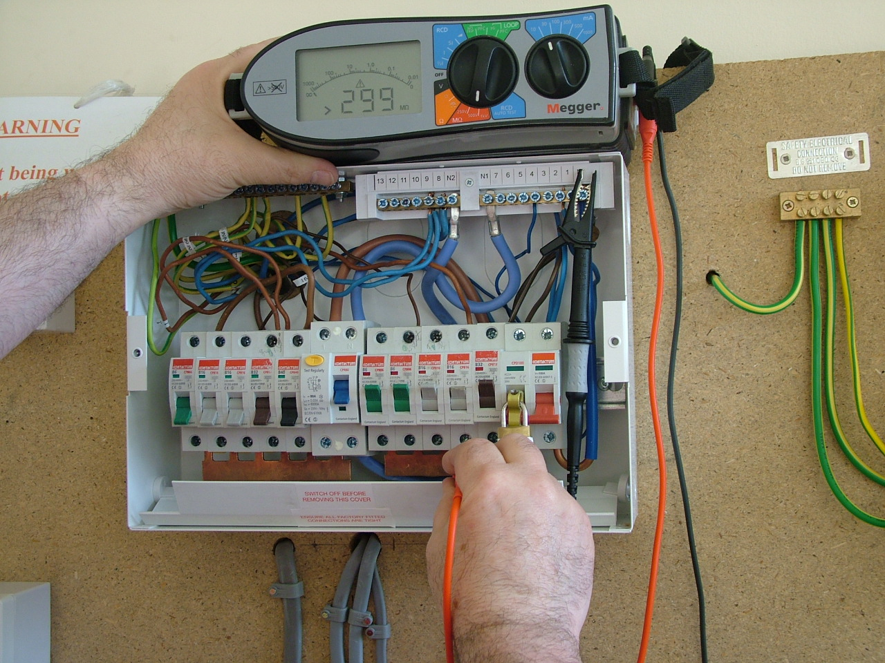 Electricianleeds Electrician Leeds Emergency Electrical Wiring And Circuit Breakers Inspection Testing