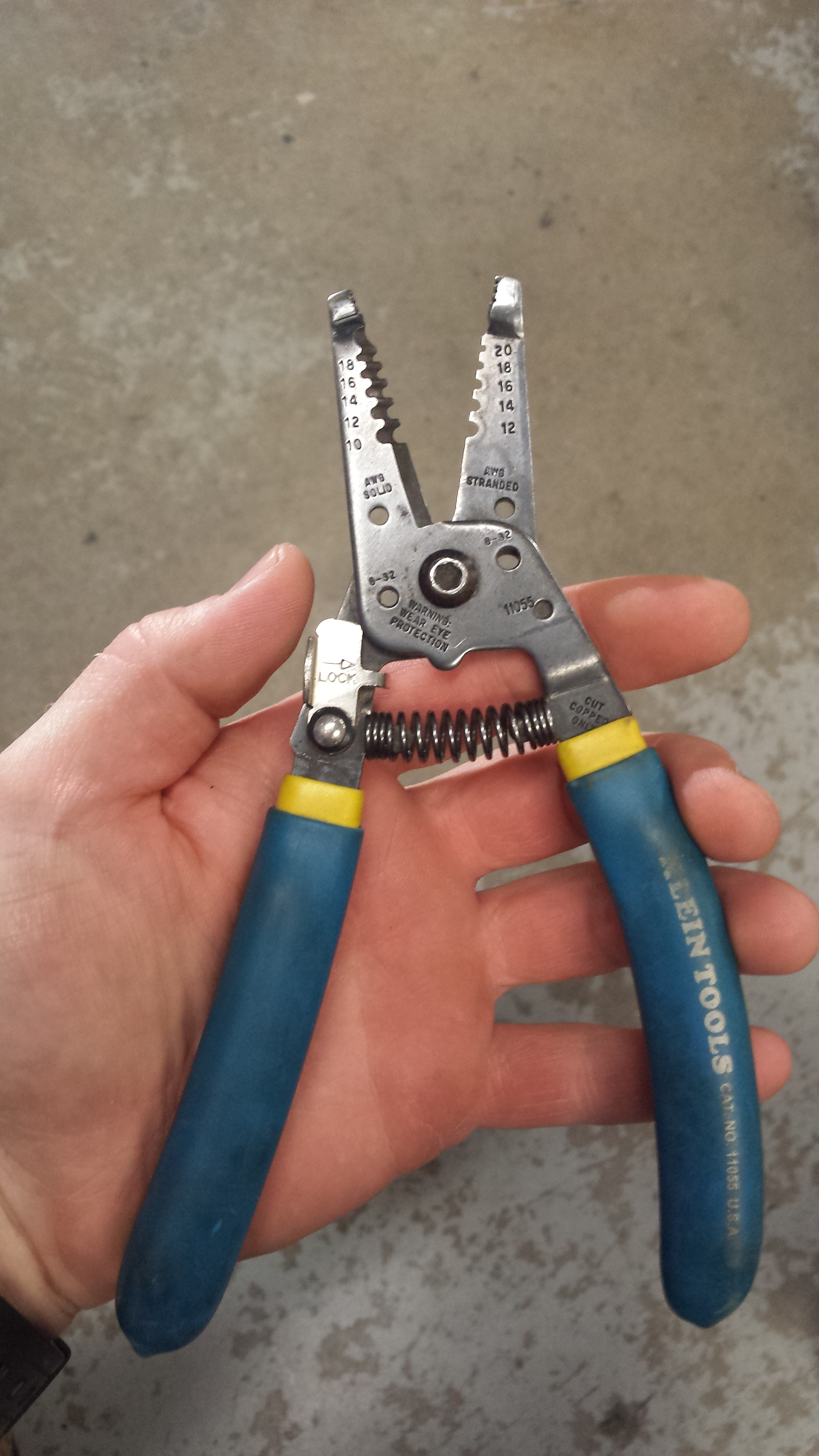 Electrician Apprentice Tools Guide Eahq Wiring And Function Strips 10 20 Gauge Wire Cuts Screws Loops Great Tool