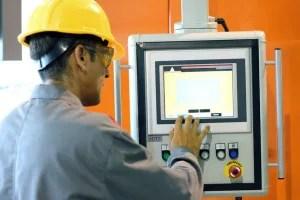 electrical power technician