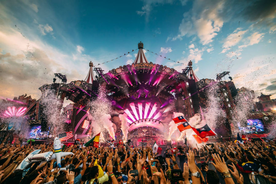 Watch Carl Cox, Patrick Topping And Claptone Sets At Tomorrowland 2017