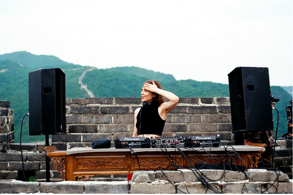 Nina Kraviz Shares Video Of Her Experience At The Great Wall Of China