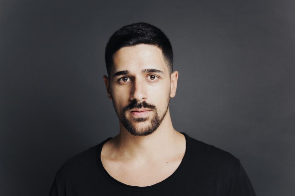 Héctor Couto Muestra Su Vida Como DJ En Un Documental