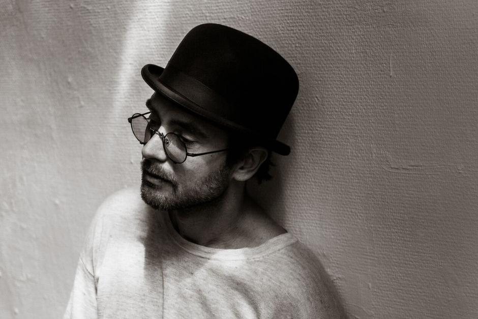 Be Svendsen Lanzará Su Primer álbum Titulado 'Between A Smile And Tear'