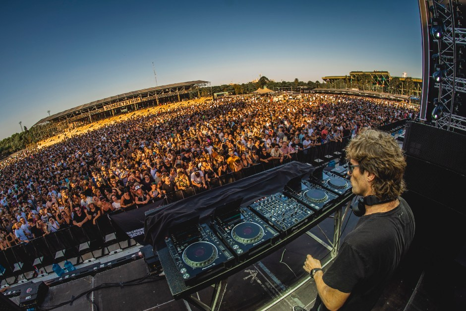Relive Hernan Cattaneo's 'Sunsetstrip' Set At Buenos Aires