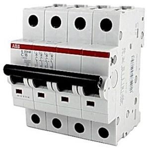 Elektricheskie avtomaty chetyrekhpoliusnye