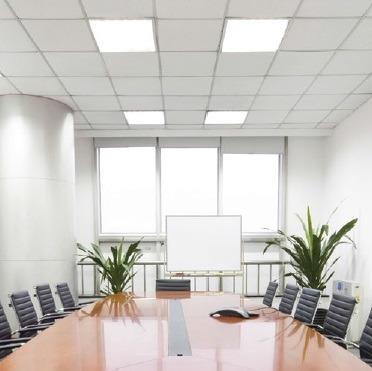 Svetodiodnye paneli ofis