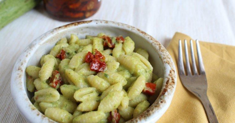Gnocchetti sardi zucchine e pomodori secchi