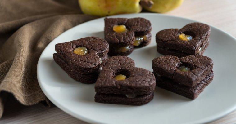 Cuoricini di cioccolato con marmellata di pere