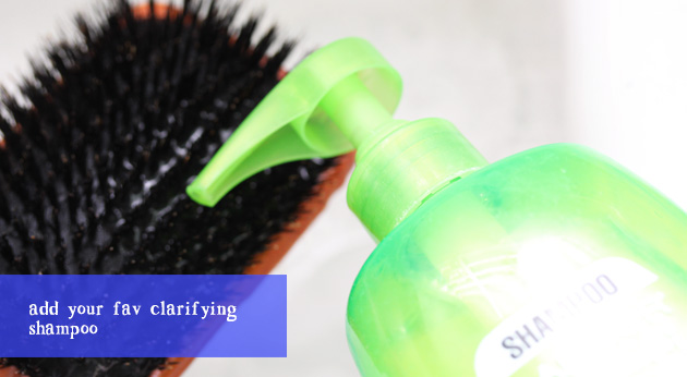 clean your hair brush with shampoo