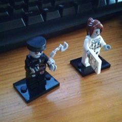 Zombi Lego Policia y Médica