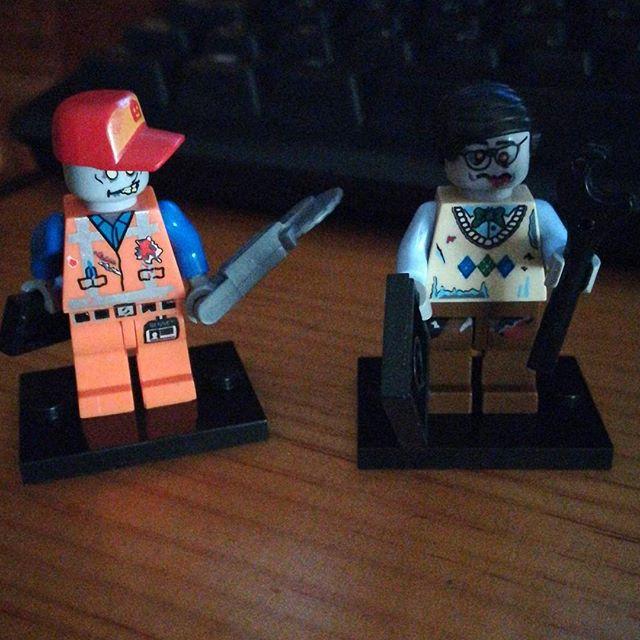 Zombie mecánico y geek de lego