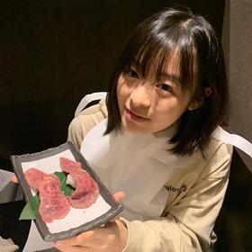肉好きの森七菜の写真