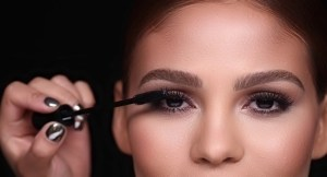 Read more about the article 11 Best Tubing Mascara for Your Gorgeous, Long Eyelashes