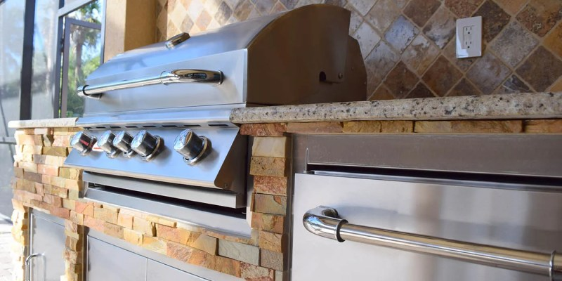 The Elegant Outdoor Kitchen - Elegant Outdoor Kitchens