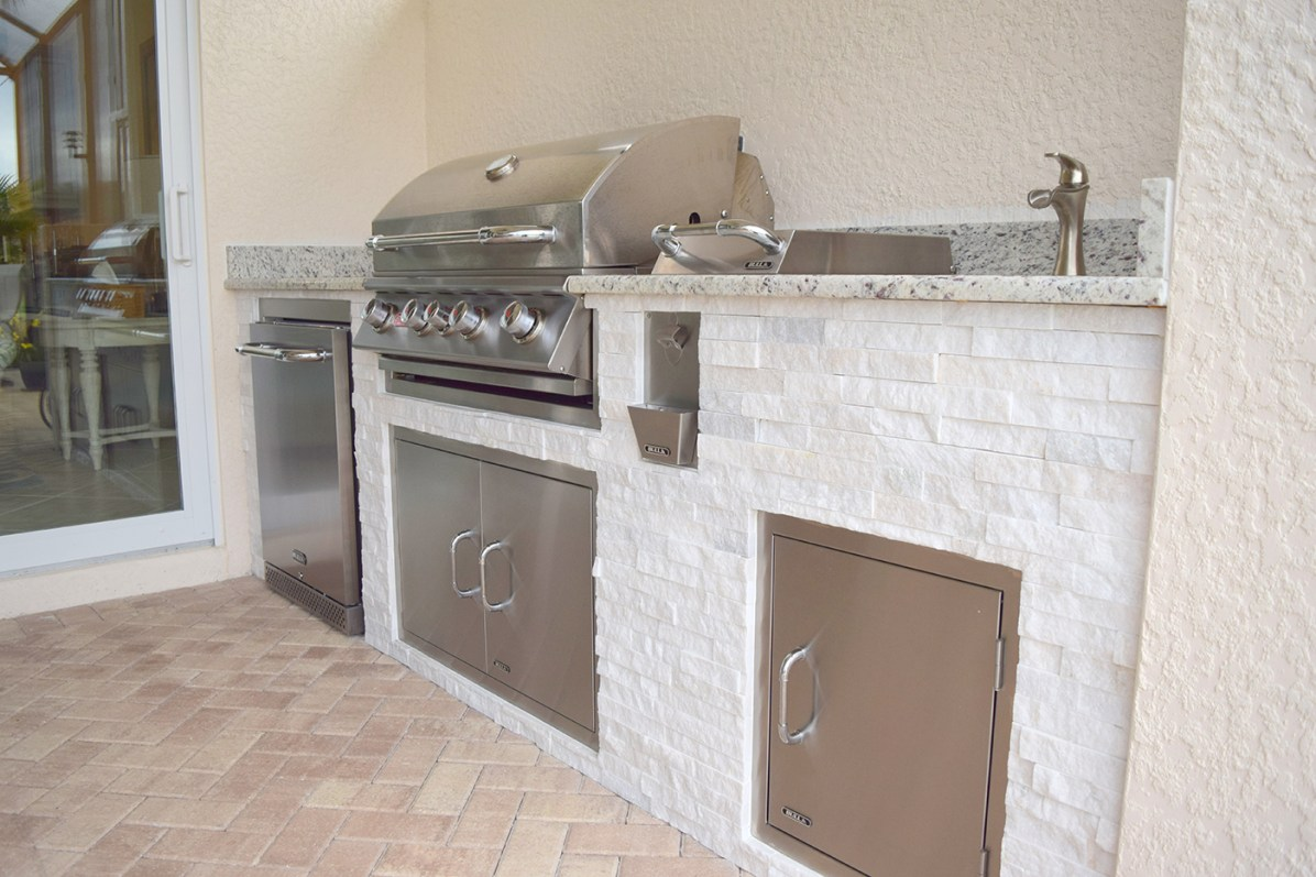 Outdoor Kitchen Builder Fort Myers Florida