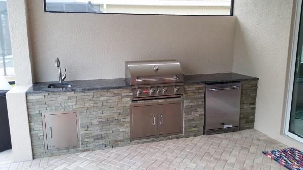Outdoor Kitchen - Pelican Preserve