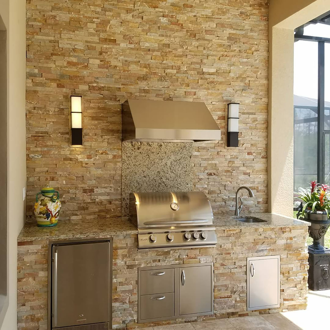 Outdoor Kitchen Stacked Stone: A Glowing Inspiration