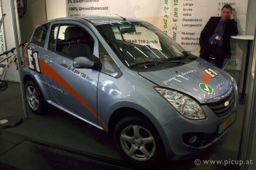 eCarTec 2011 Elektroauto 37