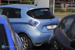 Der ZOE meines Händlers, auch in Energy-blue und mit einem tollen Sticker. {:-)