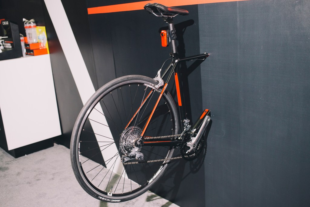 Interbike: CYCLIQ Fly 6 taillight with integrated camera