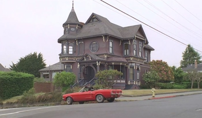 the-love-witch-filming-locations-house.jpg