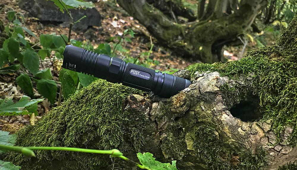 Nitecore P12GT fában