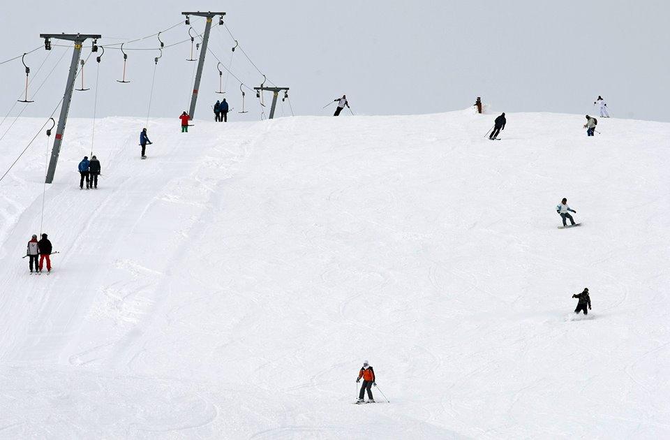 Викенд, идеален за скијање, санкање и уживање на Шапка
