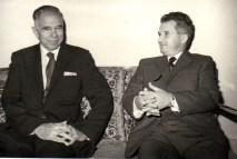Nicolae Ceauşescu şi Glenn Seaborg, laureat al Premiului Nobel pentru Chimie pentru descoperiri în chimia elementelor transuraniene (20 septembrie 1971)