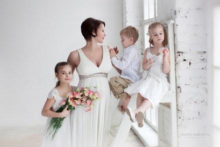 Фотосессия беременной с большой семьей