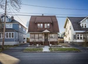 Casa desahuciada. New York, USA. // Home, Sweet Home? // Fotografía digital (principio del desarrollo del proyecto en EE.UU)