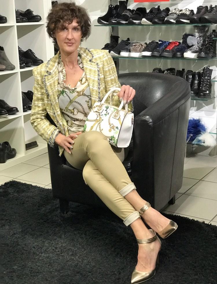 Outfit di Liu Jo con scarpe Nero Giardini, indossato da Manuela