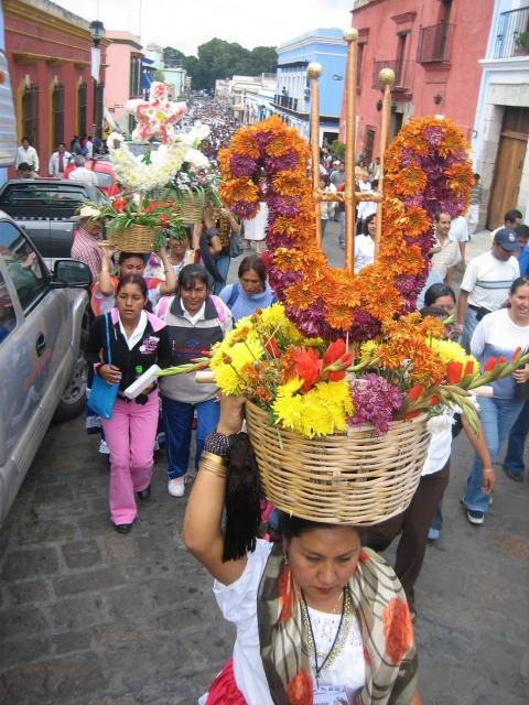 The People´s Guelaguetza Takes to the Streets