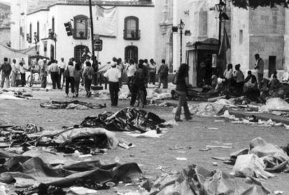 Desalojo, Oaxaca, 14 de Junio del 2006 Foto de Pauline Rosen Cros